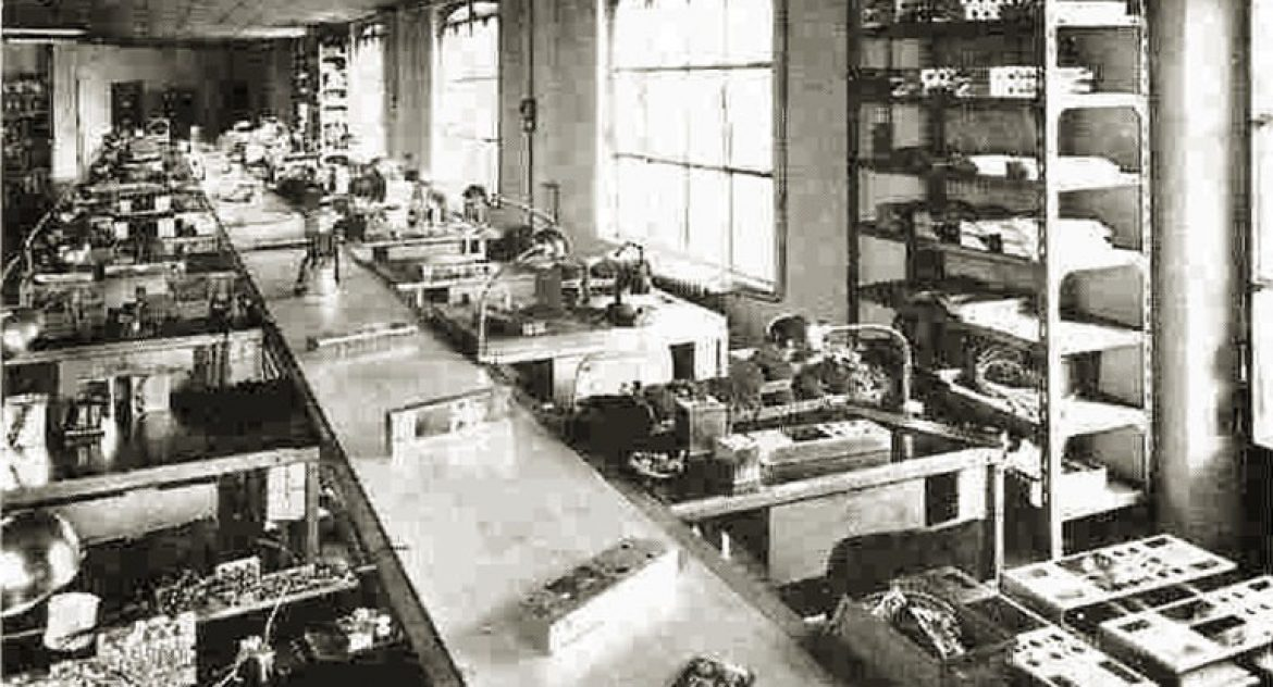 14_binson_factory_old_assembly_line_electrical_department2