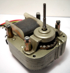 Shaded-pole motor used in the model T7E Echorec