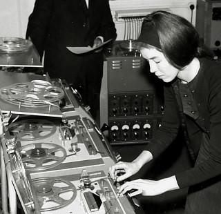 delia_derbyshire_radiophonic_workshop_room_12