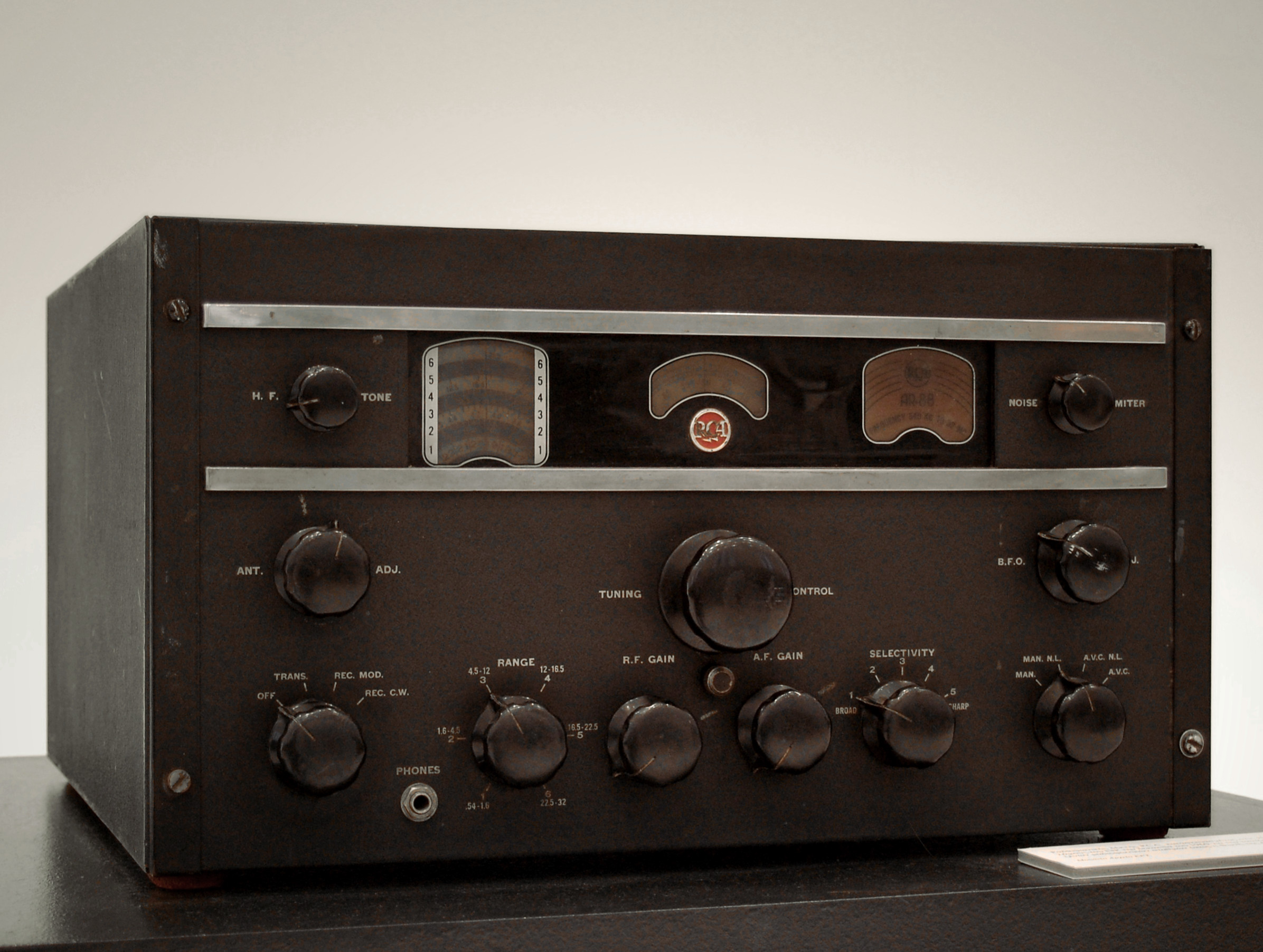 Louis Barron Pioneer Of Tube Audio Effects Effectrode Sound Circuit Generator The Old West Sounds In Front Bebe Is What Appears To Be An Item Rackmount Rca Equipment Small Rackthe Knobs Are Manufacture Rack Looks Like It Might Contain