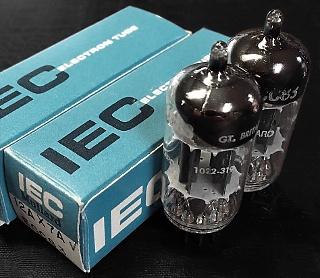 Mullard IEC 12AX7 (ECC83)